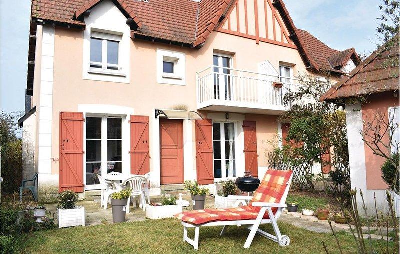 2 Zimmer Unterkunft in Dives-sur-Mer, holiday rental in Dives-sur-Mer