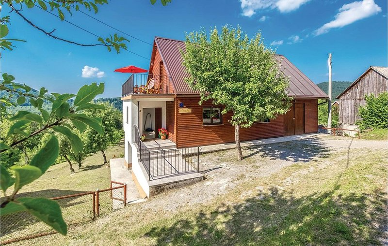 3 Zimmer Unterkunft in Bukov Vrh, holiday rental in Presika