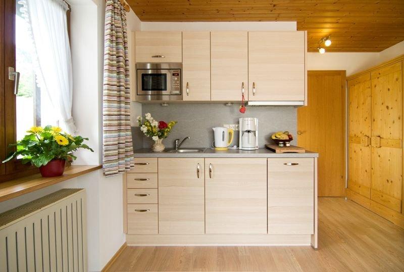 Zwei-Raum-Wohnung Kaiserblick, 35 qm, Küche, Balkon und sep. Schlafzimmer, Ferienwohnung in Reit im Winkl