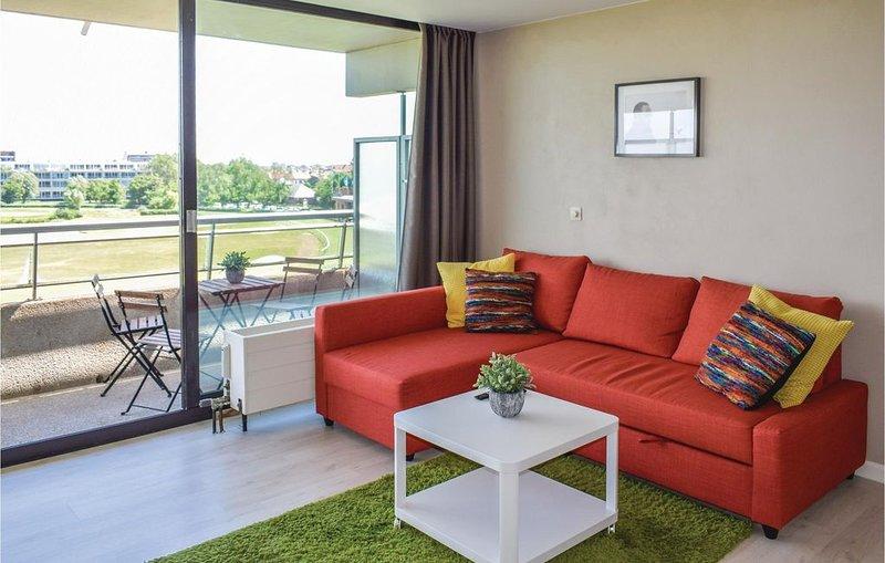 1 Zimmer Unterkunft in Oostende, holiday rental in Ostend