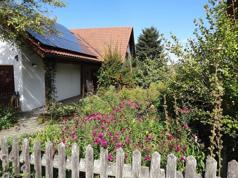 Gemütliche Ferienwohnung mit einer Größe von 38 qm in Sinzing., holiday rental in Kelheim