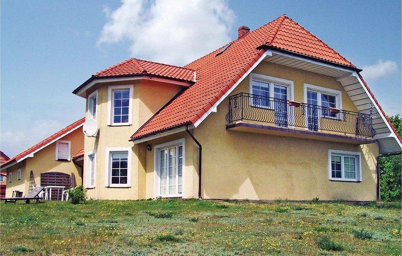 4 Zimmer Unterkunft in Kamien, holiday rental in Szymbark