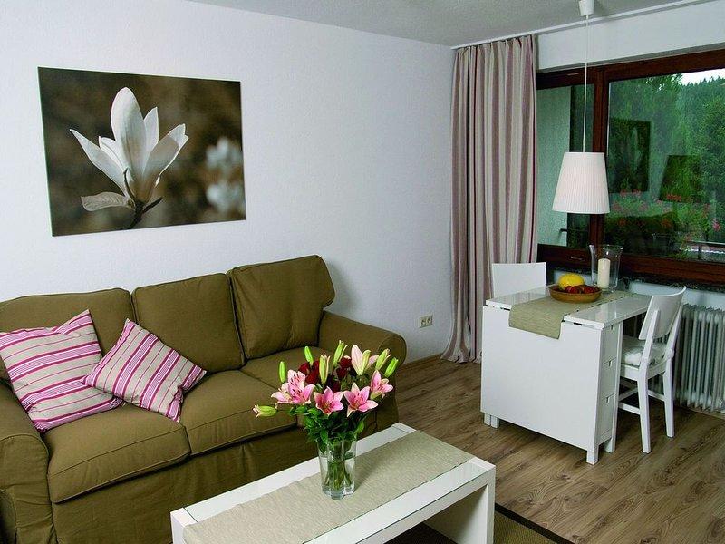 3-Zimmer-Appartement, 110qm, 2 Schlafzimmer, max. 9 Personen, vacation rental in Friedenweiler