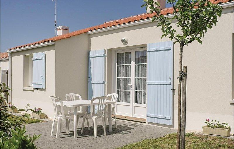 3 Zimmer Unterkunft in Longeville sur Mer, vacation rental in Longeville-sur-mer