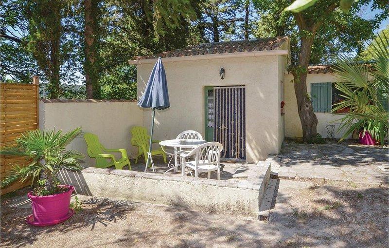 1 Zimmer Unterkunft in Crillon le Brave, holiday rental in Modene