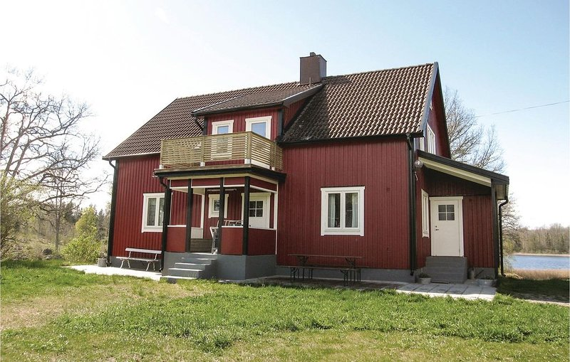 4 Zimmer Unterkunft in Vimmerby, location de vacances à Horn
