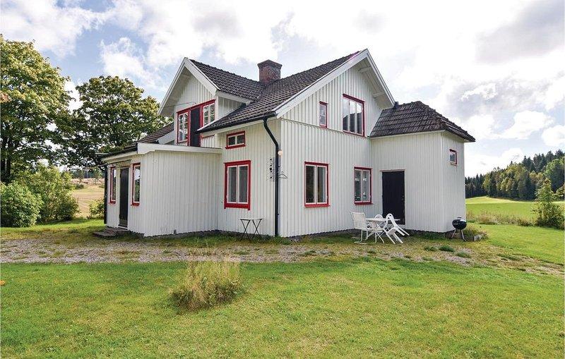 4 Zimmer Unterkunft in Högsäter, location de vacances à Hogsater