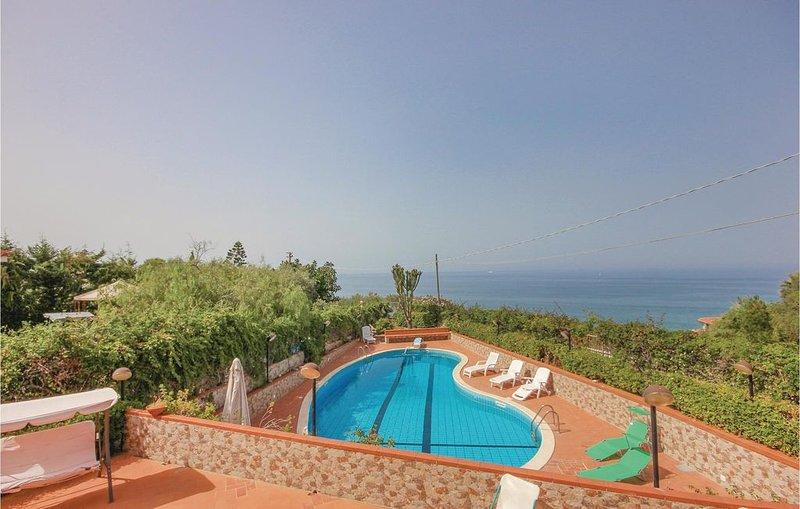 5 Zimmer Unterkunft in Altavilla Milicia -PA-, holiday rental in Torre Colonna-Sperone