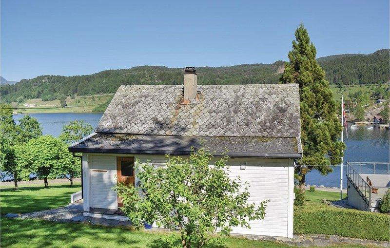 3 Zimmer Unterkunft in Etne, holiday rental in Vindafjord Municipality