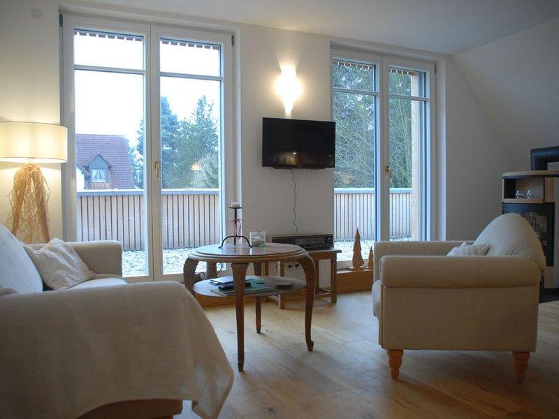Umweltfreundliche FeWo (68qm) in Passivhaus im OG mit Dachterrasse, holiday rental in Weissenburg in Bayern