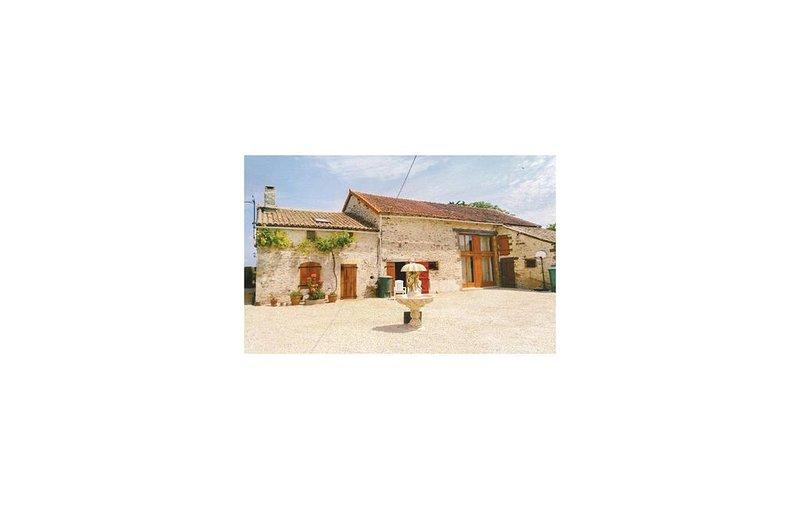 2 Zimmer Unterkunft in Chaunay, vacation rental in Limalonges