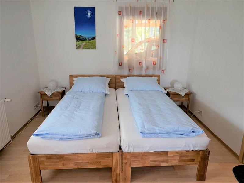 Ferienwohnung Ohnemus, 30 qm mit Terrasse und 1 Wohn-/Schlafzimmer für max. 2 Pe, location de vacances à Schweighausen