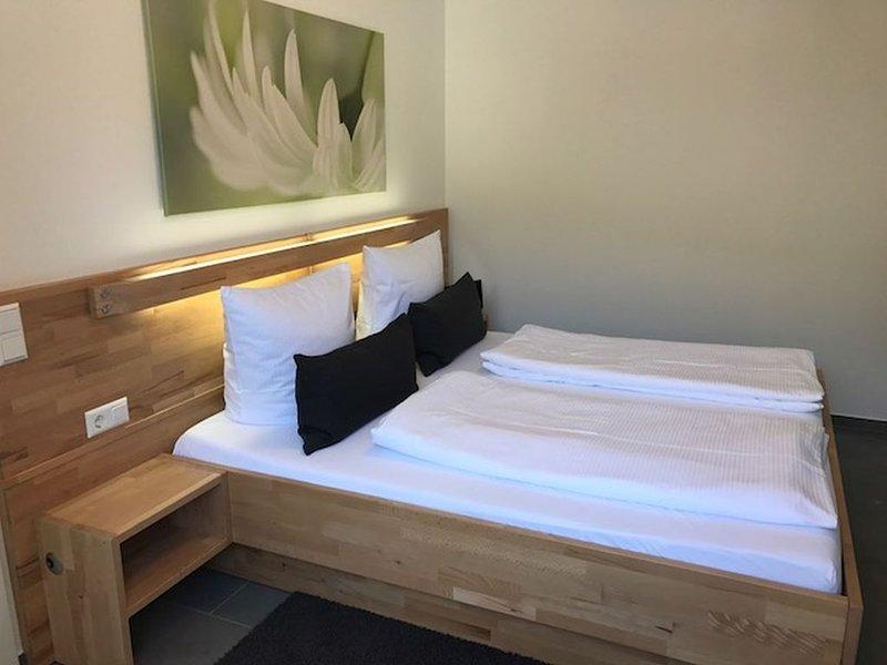 Ferienwohnung, 41qm mit Balkon und 1 Schlafzimmer für max. 2 Personen, casa vacanza a Albstadt