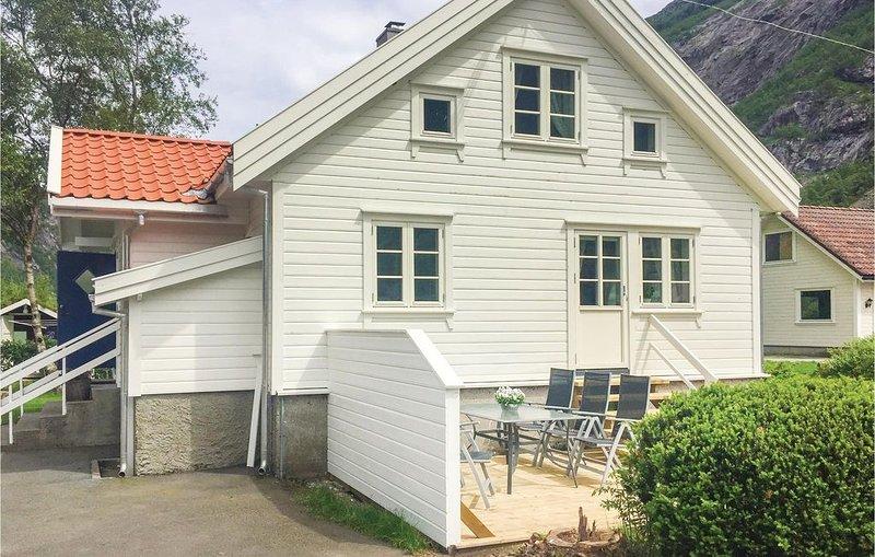 2 Zimmer Unterkunft in Dirdal, vacation rental in Rogaland