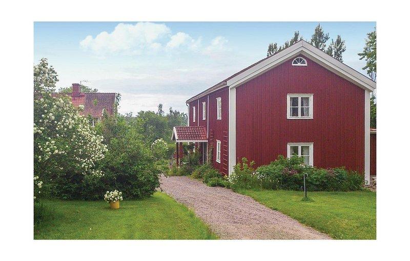 3 Zimmer Unterkunft in Vimmerby, vacation rental in Ingatorp