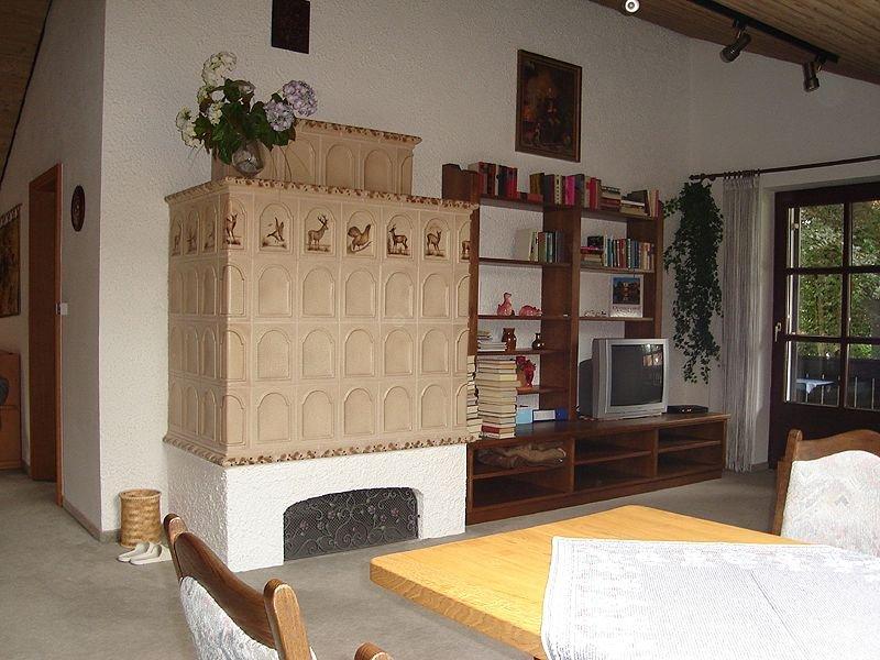 Ferienwohnung 90 qm mit separaten Schlafzimmer und Balkon, vacation rental in Prien am Chiemsee