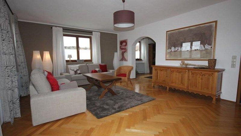 Gepflegte, großzügige Ferienwohnung in ruhiger Dorfrandlage, alquiler vacacional en Miltach