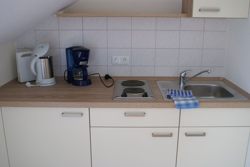 Modern apartment with free Wi-Fi kitchenette