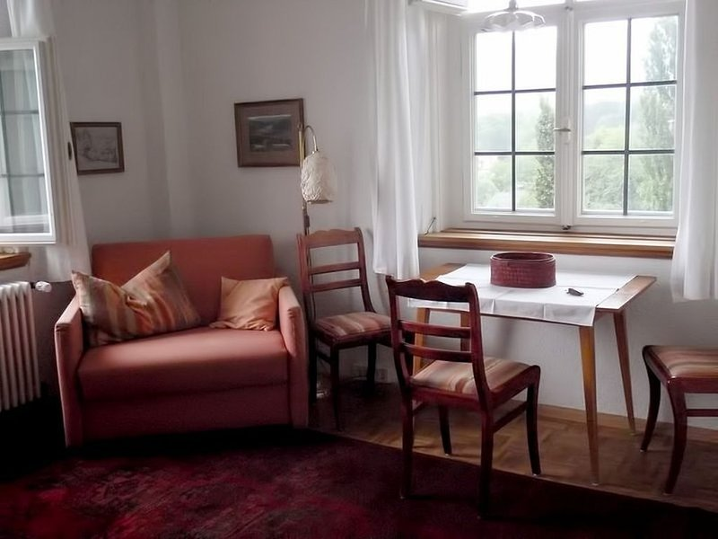 Appartement 3, 38qm, 1 Wohn-/Schlafraum, max. 2 Personen, vacation rental in Kandern