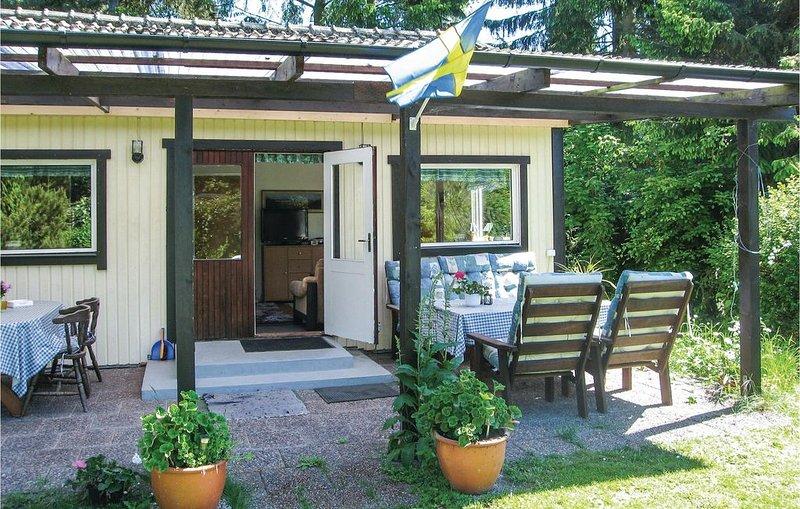 2 Zimmer Unterkunft in Beddingestrand, vacation rental in Svedala
