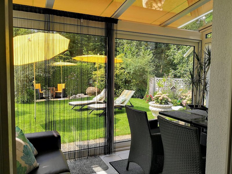 Ferienwohnung 1 mit ca. 70qm, 2 Schlafzimmer, für maximal 2 Personen, location de vacances à Grasbeuren