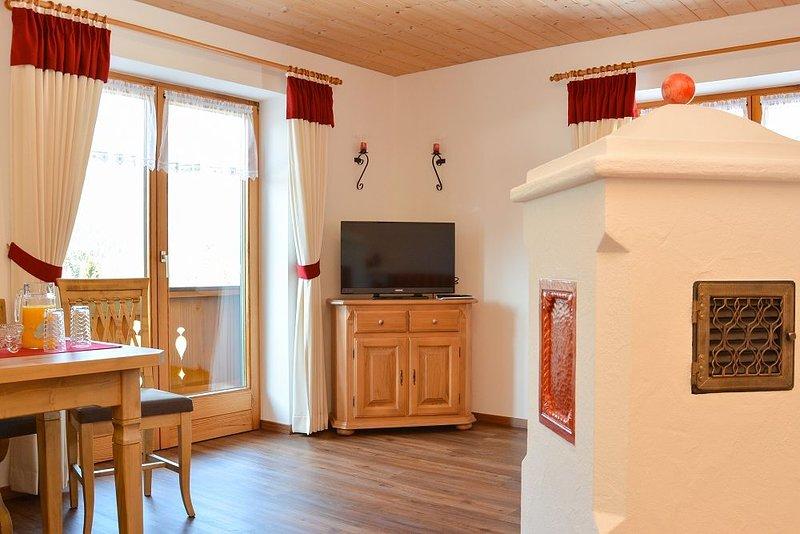Ferienwohnung Halsalm, 1-2 Personen, 43 qm, Balkon, W-LAN, 1 Schlafzimmer, holiday rental in Unken
