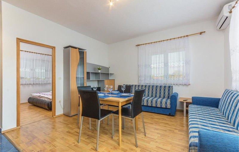 1 Zimmer Unterkunft in Rovinj, holiday rental in Rovinjsko Selo
