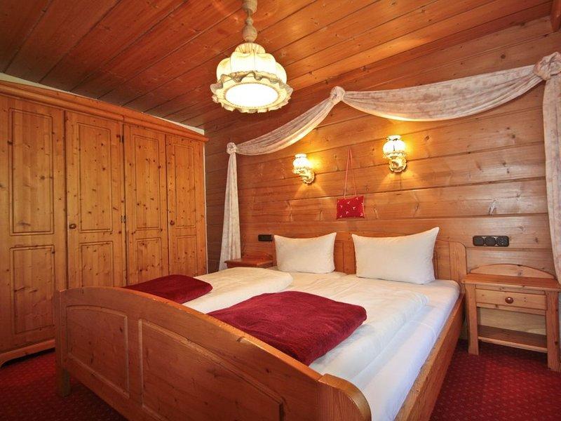 Fewo Talblick (53qm), Balkon, Kochnische, 1 Schlaf- und 1 Wohn-/Schlafz., WLAN,, holiday rental in Ruhpolding