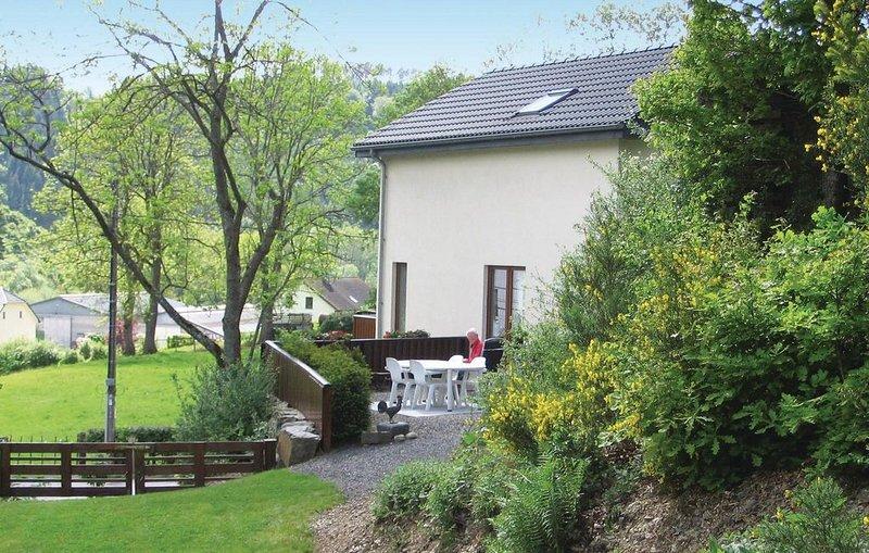 3 Zimmer Unterkunft in Burg-Reuland, holiday rental in Irrhausen