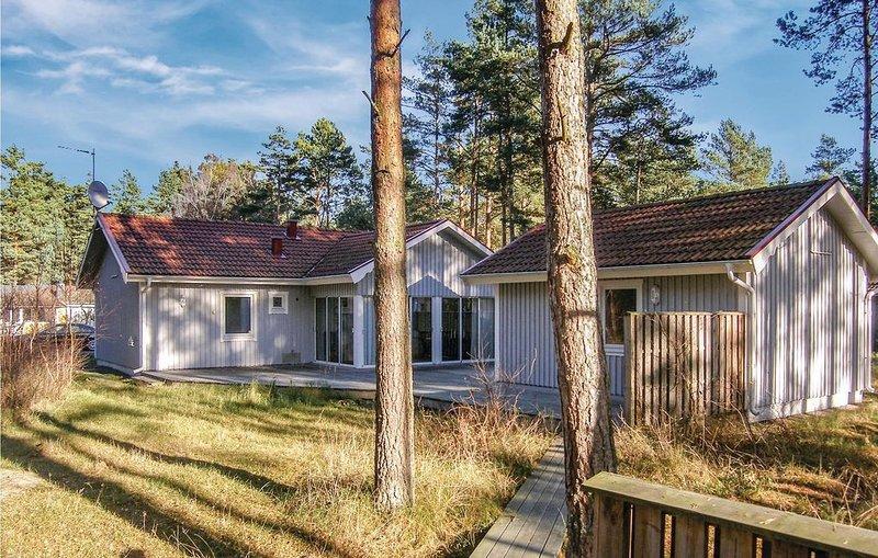 3 Zimmer Unterkunft in Yngsjö, holiday rental in Skane County