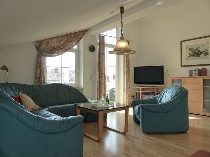 Ferienwohnung Sonnenschein, 55qm Obergeschoss, 1 separates Schlafzimmer – semesterbostad i Prien am Chiemsee