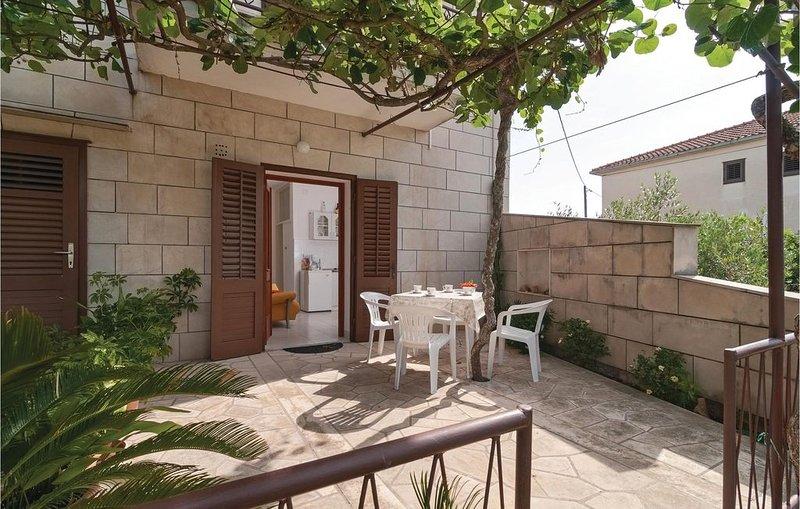 1 Zimmer Unterkunft in Supetar, vacation rental in Supetar