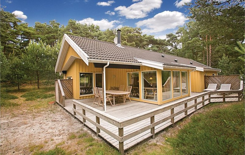 4 Zimmer Unterkunft in Nexø, location de vacances à Pedersker