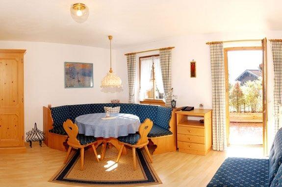 Ein-Raum-Ferienwohnung Kaiser 32qm, DU/WC, Kochnische, Balkon, Ferienwohnung in Reit im Winkl