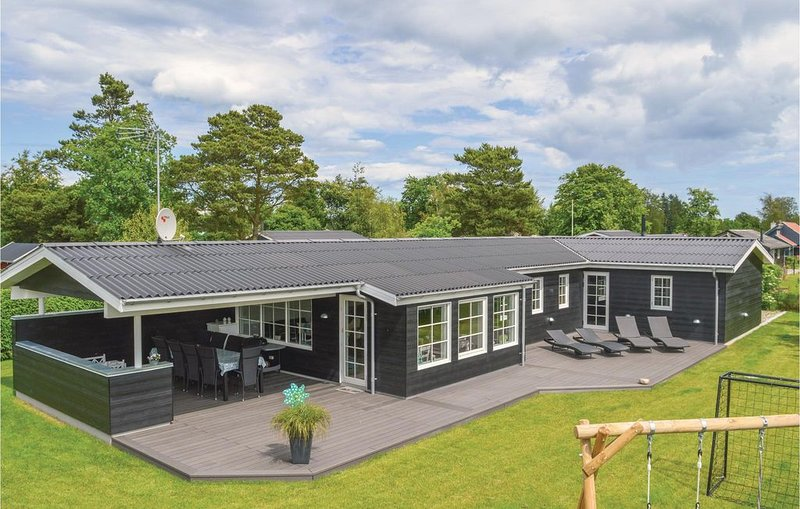 5 Zimmer Unterkunft in Hadsund, vacation rental in North Jutland
