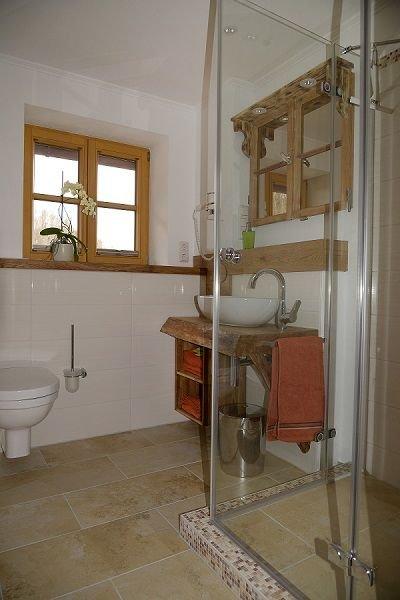 Mühlradstube, 36 qm mit Schlafzimmer, Wohn/Schlafraum,  Küche, DU/WC-Mühlradstube Bad mit Dusche