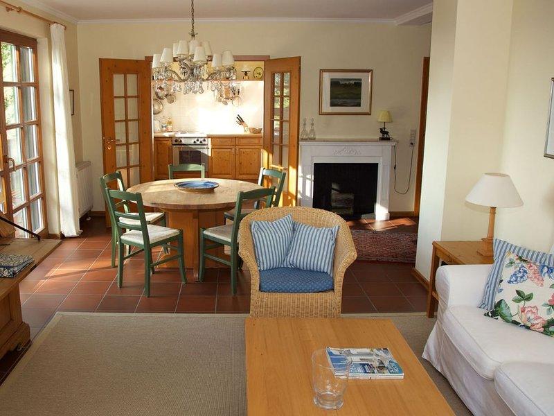 Ferienwohnung Bachblick mit 100 qm, 3 Schlafzimmer für maximal 4 Personen, holiday rental in Durbach