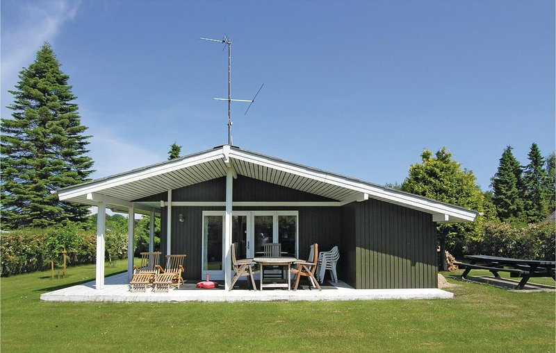 3 Zimmer Unterkunft in Svendborg, vacation rental in Vejstrup