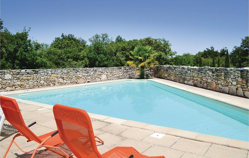 2 Zimmer Unterkunft in Padirac, holiday rental in Lhospitalet