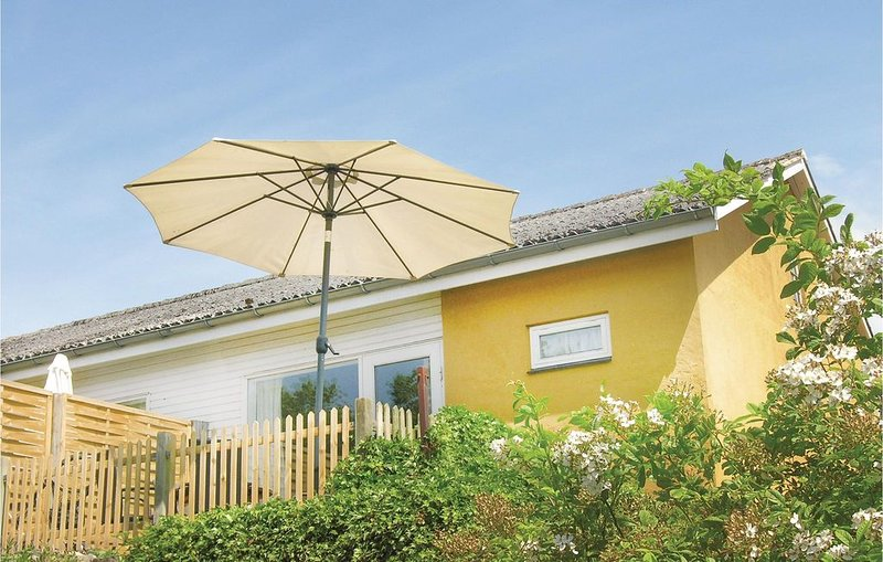 1 Zimmer Unterkunft in Aakirkeby, location de vacances à Pedersker