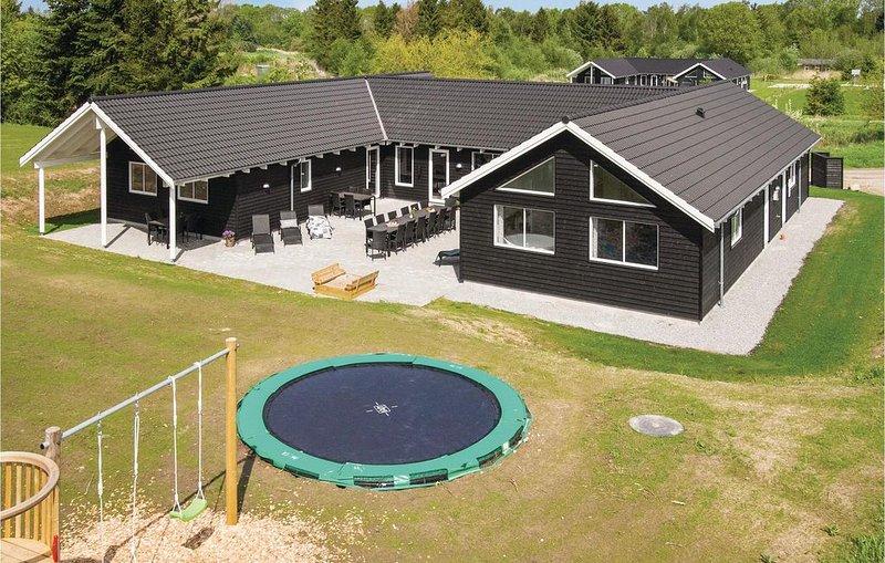 8 Zimmer Unterkunft in Glesborg, holiday rental in Grenaa