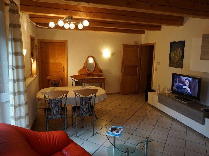 Gemütliche FeWo (60qm) mit 1 Schlafzimmer in ruhiger Lage, holiday rental in Weissenburg in Bayern
