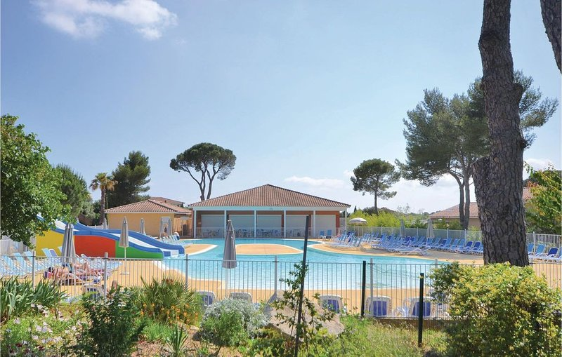 1 Zimmer Unterkunft in Calvisson, location de vacances à Aigues-Vives