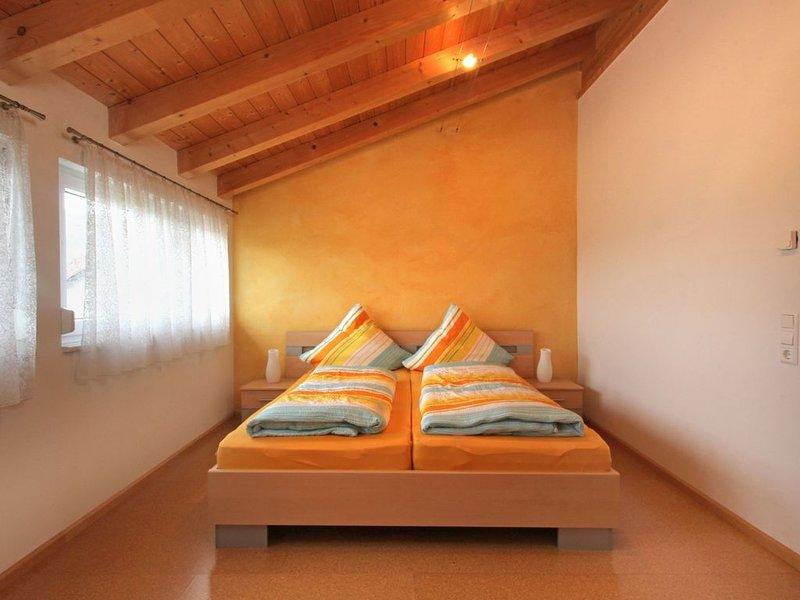 Ferienwohnung mit 60 qm, 2 Schlafzimmer für max. 3 Personen, holiday rental in Vogtsburg im Kaiserstuhl
