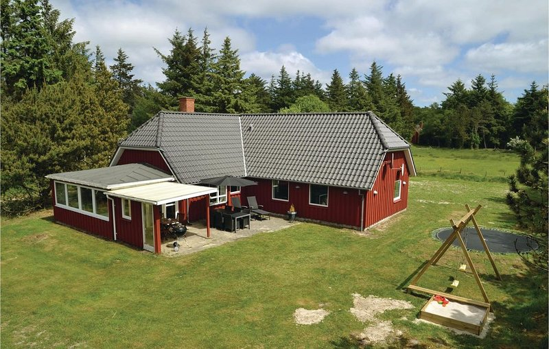 4 Zimmer Unterkunft in Vejers Strand, aluguéis de temporada em South Jutland