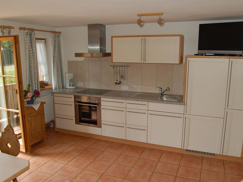 Ferienwohnung Nr. 2 mit Balkon, 60 qm, location de vacances à Trostberg an der Alz