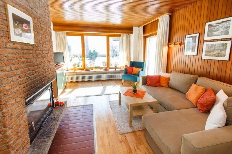 Ferienwohnung 1 EG (58qm), Terrasse, Küche extra, 1 Schlaf- u. 1 Wohn-/Schlafzi., holiday rental in Ruhpolding