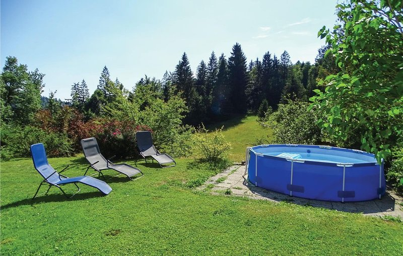 2 Zimmer Unterkunft in Vrhnika, casa vacanza a Crni Vrh