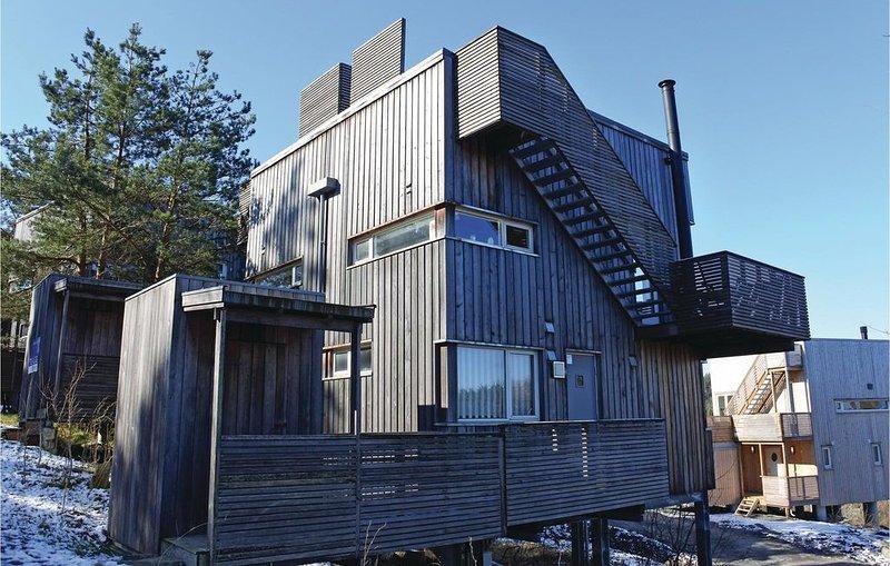 2 Zimmer Unterkunft in Søndeled, holiday rental in Risor