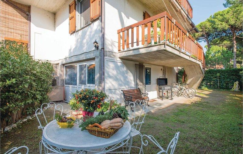 4 Zimmer Unterkunft in Marina Romea -RA-, vacation rental in Casalborsetti